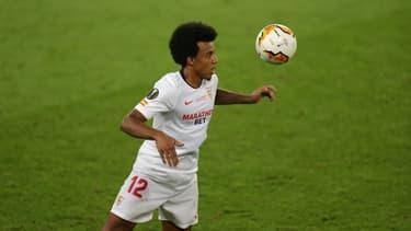 Jules Koundé avec le Séville FC contre l'Inter Milan en finale de la Ligue Europa à Cologne, le 21 août 2020