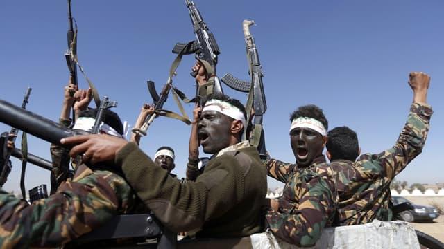 Des rebelles houthistes au Yémen