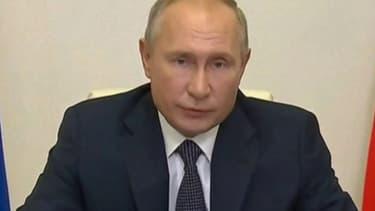 """Vladimir Poutine déclare que sa fille """"a participé à l'expérience"""" sur le vaccin russe contre le Covid-19"""