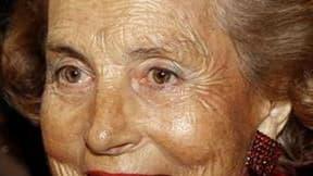 """Les experts médicaux mandatés par la justice afin d'examiner Liliane Bettencourt préconisent une mesure de curatelle renforcée pour l'héritière de L'Oréal, engagée dans une bataille judiciaire avec sa fille, en raison d'une """"dégénérescence"""" de ses faculté"""