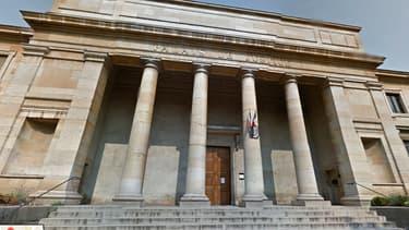 C'est dans ce tribunal à Chalon-sur-Saône que l'homme va être jugé durant une semaine.