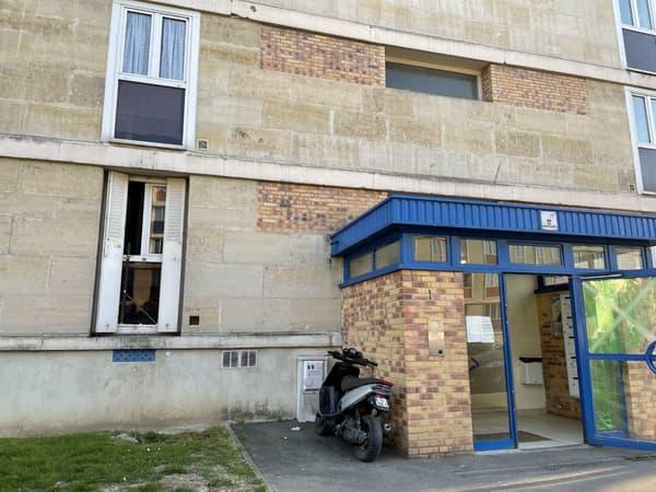 L'appartement et l'immeuble de la famille Mahrez à Sarcelles