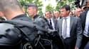 Le ministre de l'Intérieur Manuel Valls, à son arrivée dans le quartier d'Amiens-Nord (Oise)