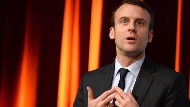 Emmanuel Macron le 13 avril 2016 lors d'une conférence à l'école Telecom ParisTech de Paris.