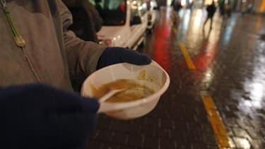 Dans son rapport annuel publié mardi, le Secours catholique relève que l'intensité de la pauvreté augmente en France et souligne l'ampleur de la précarité chez les 18-25 ans./Photo d'archives/REUTERS/Vincent