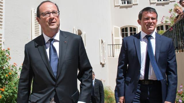 Le Premier ministre Manuel Valls et le président François Hollande, le 15 août 2014 au Fort de Brégançon.
