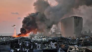 Le port de Beyrouth quelques minutes après les déflagrations