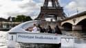 En juin dernier, Anne Hidalgo, maire de Paris, a testé Sea Bubble, l'hydroptère inventé par Alain Thébault, mais les autorités fluviales tiquait sur la vitesse excessive de la navette.