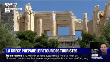 La Grèce ouvrira ses frontières aux touristes mi-mai, malgré une situation sanitaire préoccupante
