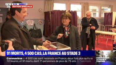 Municipales: Martine Aubry vient de voter à Lille