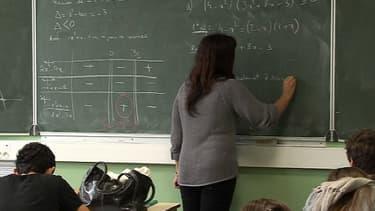 Vincent Peillon prévoit de créer 1.000 postes de remplaçants pour la rentrée 2013.