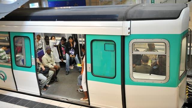 A Paris, après plusieurs années de discussion, les opérateurs télécoms et la RATP ont promis d'accélérer sur la couverture 4G, face à la demande de plus en plus pressante des usagers.