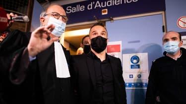 Mathieu Valbuena et son avocat Me Paul-Albert Iweins, le 20 octobre 2021