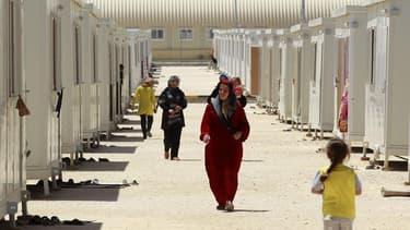 Camp de réfugiés syriens en Jordanie. Selon le Haut Commissariat des Nations unies pour les Réfugiés (HCR), plus de 1,5 million de réfugiés syriens ont été officiellement enregistrés ou sont en attente d'enregistrement depuis le début du conflit, en mars