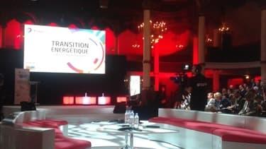 Total avait convié plusieurs centaines de personnes pour une conférence sur la transition énergétique lundi 25 novembre.