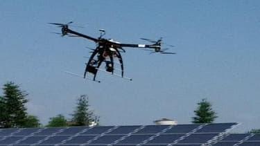 Bouygues Energies & Services vient de tester un drone pour diagnostic solaire au-dessus de la centrale solaire de Sourdun de la Générale du Solaire.
