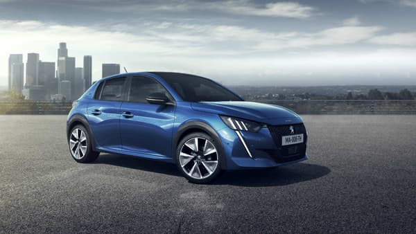 L'une des grandes nouveautés sur cette nouvelle Peugeot 208, c'est sa version électrique.