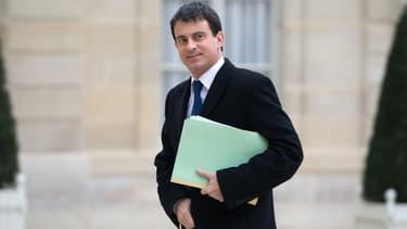 """Le ministre de l'Intérieur Manuel Valls arrive largement en tête des ministres actuels """"sur lesquels il faudrait le plus s'appuyer pour le futur gouvernement"""""""