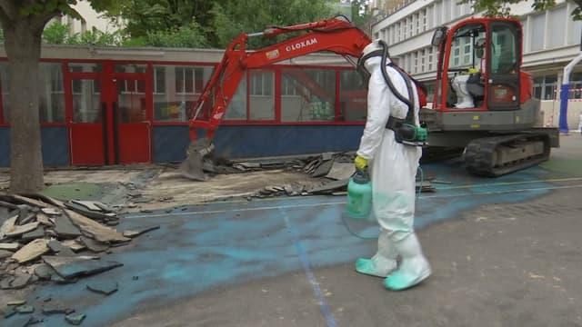 Une opération de dépollution au plomb dans une école à Paris.