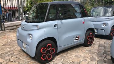 Citroën explore une nouvelle facette de la mobilité électrique avec l'AMI, une petite voiture 100% électrique et surtout sans permis.