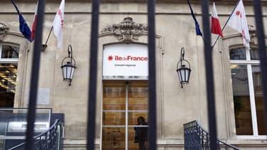 Les quelque 2.000 fonctionnaires franciliens vont bientôt déménager à Saint-Ouen, en Seine-Saint-Denis. Conséquence, la région va mettre en vente ses bijoux de famille parisiens, estimés à plus de 200 millions d'euros.