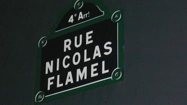Nicolas Flamel, souvent décrit comme alchimiste était un notable parisien.