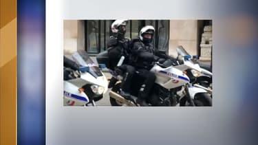 Des policiers motards, à Paris le 15 décembre 2018.
