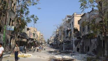 Dans les rues de Marat al Noumane, dans la province syrienne d'Idlib. La France, qui la présidence du Conseil de sécurité des Nations unies au 1er août, va demander une réunion du Conseil de sécurité au niveau ministériel et estime qu'il ne peut y avoir p