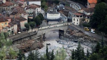 Vue aérienne de Breil-sur-Roya touché par des pluies et des crues violentes, le 5 octobre 2020 dans les Alpes-Maritimes, près de la frontière italienne.