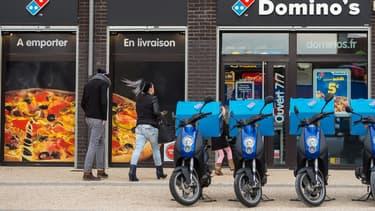 EDF a conçu une offre d'électrification de flottes de 2 roues répondant à la problématique de Domino's Pizza. Sodetrel, quant à elle, a installé en avant-première un démonstrateur de système de charge pour le magasin d'Issy-les-Moulineaux (92).