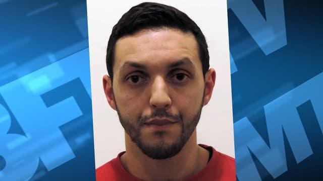 """Mohamed Abrini a été inculpé des chefs d'""""assassinats terroristes"""" et de """"participation aux activités d'un groupe terroriste"""" a indiqué samedi le parquet fédéral belge."""