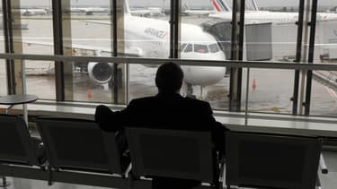 Deux vols sur dix sont annulés en raison d'un mouvement de grève, ce jeudi.