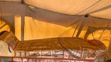 14 nouveaux sarcophages découverts dans la nécropole de Saqqara