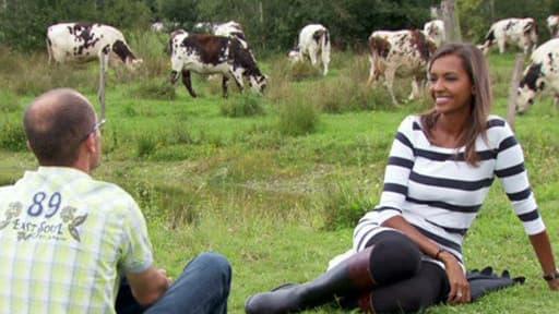 Karine Le Marchand, la présentatrice de l'Amour est dans le pré, dans un épisode de l'émission.