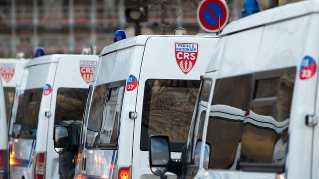 Cette compagnie de CRS de Grenoble rentrait d'une vacation à Roissy.