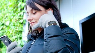 Les gants bluetooth permettent de téléphoner avec ses doigts.