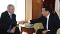 Le président égyptien Hosni Moubarak (à droite) a demandé au Premier ministre israélien Benjamin Netanyahu d'infléchir sa position afin de relancer les pourparlers de paix avec les Palestiniens, lors d'une rencontre à Charm el Cheikh. /Photo prise le 6 ja