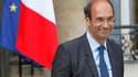 Eric Woerth, à la sortie de l'Elysée. L'affaire Woerth-Bettencourt a refait surface mercredi, jour du conseil des ministres de rentrée, des articles de presse évoquant une deuxième audition du ministre du Travail et l'implication de Nicolas Sarkozy. /Phot