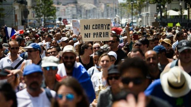 Manifestation à Marseille contre le pass sanitaire et la vaccination obligatoire des soignants le 24 juillet 2021.