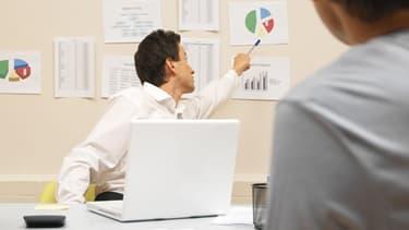 Les cadres sont la catégorie de salariés qui affichent la durée de travail hebdomadaire la plus longue.