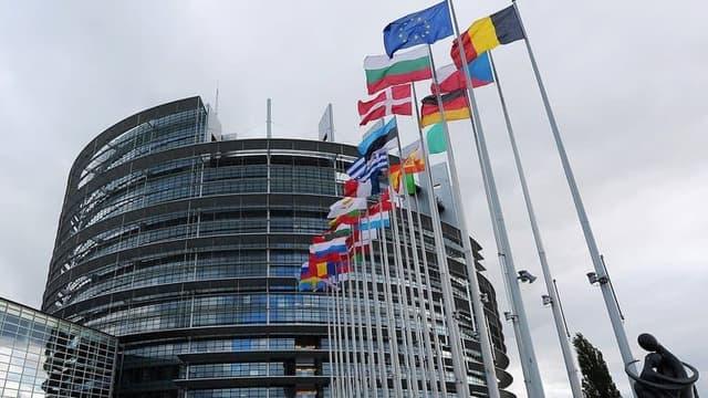 L'UE réserve 300 millions de doses de vaccins auprès de Sanofi-GSK