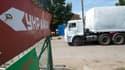 Le convoi humanitaire russe est toujours bloqué à la frontière ukrainienne, alors que s'ouvre ce dimanche une réunion diplomatique à Berlin.