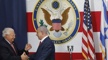 L'ambassadeur américain en Israël et le Premier ministre israélien lors de l'inauguration de l'ambassade américaine en Israël.