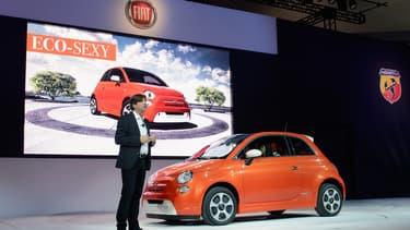 L'arrivée prochaine de la Fiat 500 électrique n'y changera rien : Fiat-Chrysler doit faire baisser d'urgence son bilan-carbone. Quitte à payer pour « vendre » des Tesla !