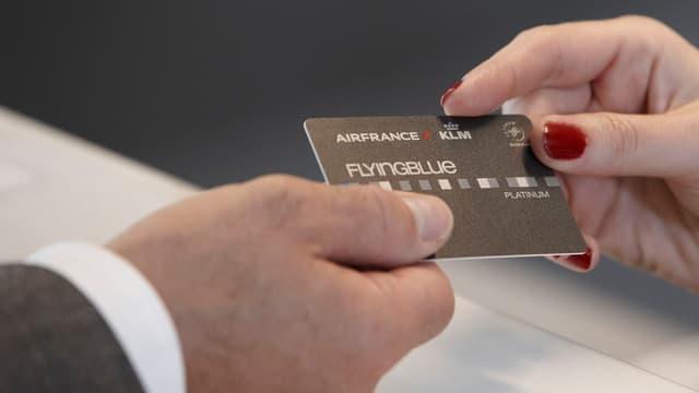 Les détenteurs de la carte Platinum auront droit à une ligne de téléphone dédiée avec des interlocuteurs pouvant gérer toutes leurs demandes.