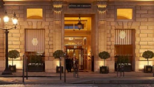 Le palace parisien Crillon va vendre presque tout son intérieur, avant une fermeture de deux ans pour rénovation.