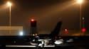 Tornado britannique s'apprêtant à décoller du sud de l'Angleterre. Les forces de l'OTAN ont largué des missiles sur la résidence de Mouammar Kadhafi, dans la nuit de dimanche à lundi.