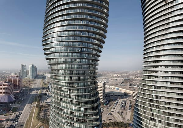 Absolute Towers (Mississauga, Canada)