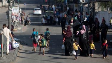 A peine une demi-heure après l'expiration du cessez-le-feu, vendredi, des milliers de Gazaouis ont fui leurs maisons par peur de nouvelles frappes.