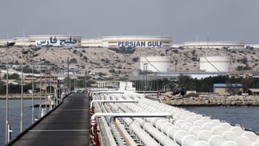 Le département d'État américain a enjoint tous les pays, y compris la Chine et l'Inde, gros clients de l'Iran, de cesser leurs importations de pétrole iranien d'ici au 4 novembre 2018.